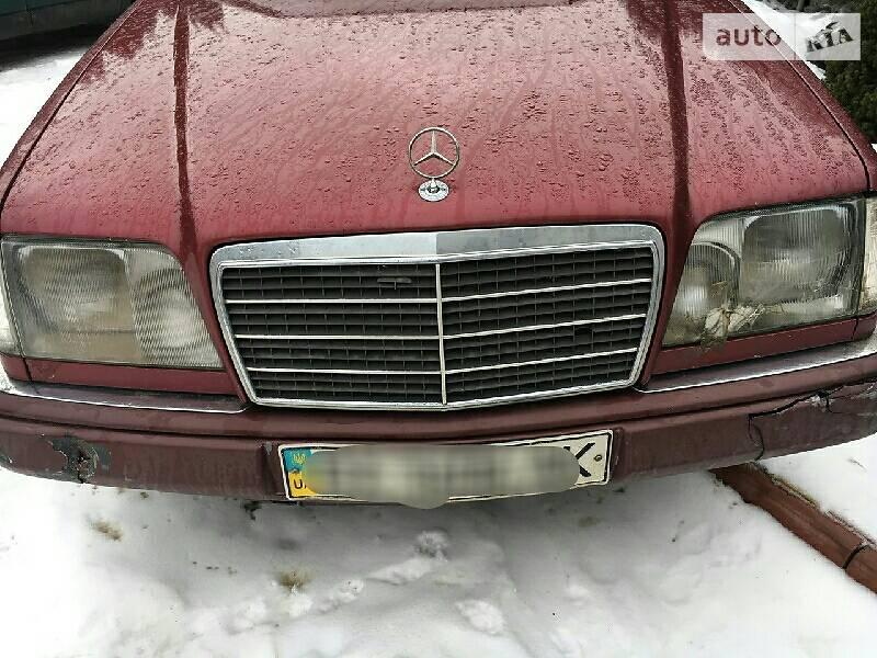 Mercedes-Benz 220 1995 в Черновцах