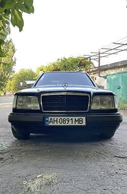 Седан Mercedes-Benz 220 1994 в Мариуполе
