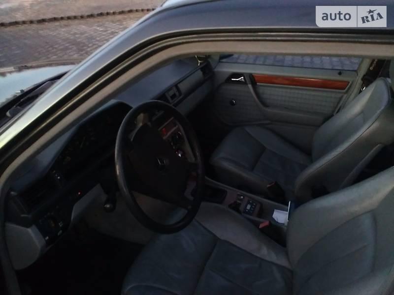 Mercedes-Benz 230 1989 в Луцке