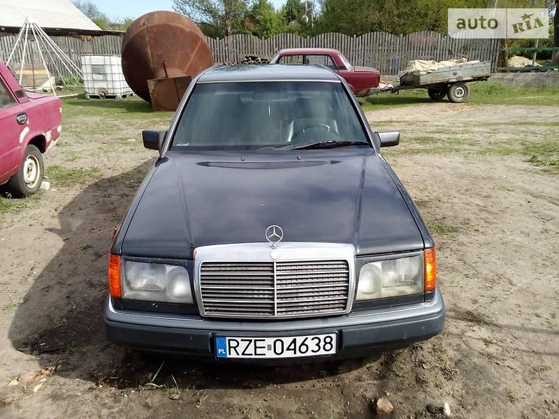 Mercedes-Benz 230 1993 в Черкассах