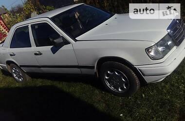 Mercedes-Benz C 200 1988 в Городке