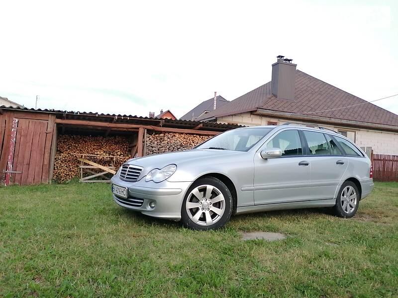 Универсал Mercedes-Benz C 220 2005 в Березному