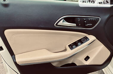 Седан Mercedes-Benz CLA 250 2014 в Львове