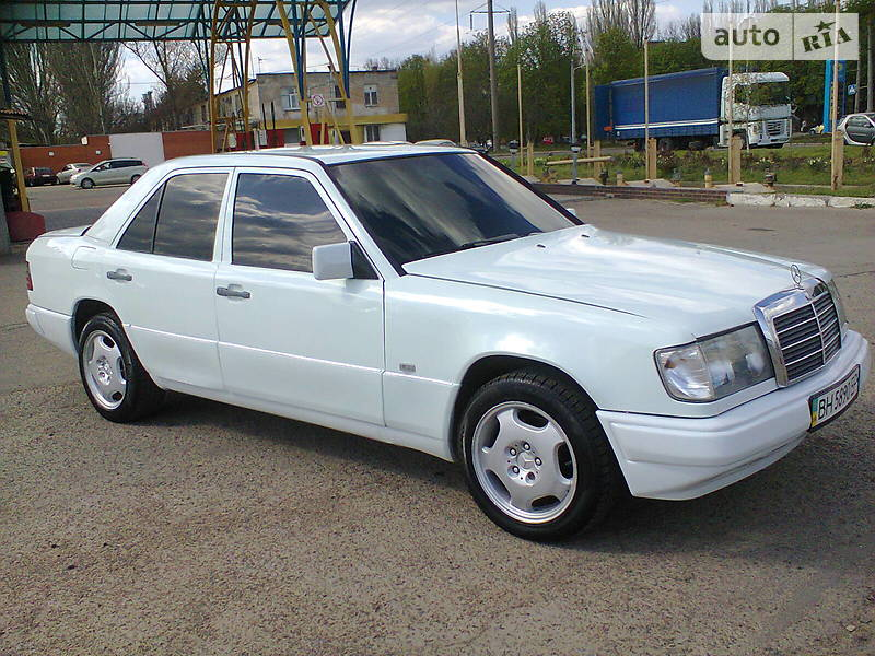 Mercedes-Benz E 200 1989 в Одессе