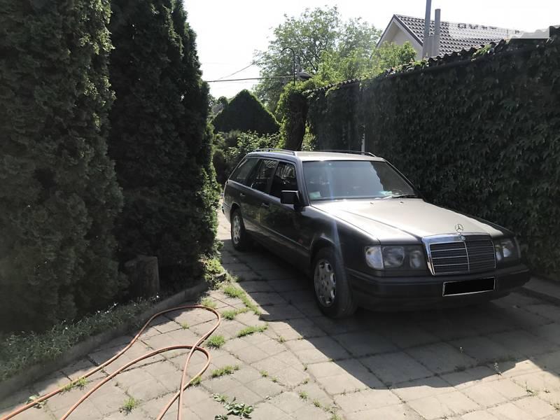Mercedes-Benz E 200 1990 в Запорожье
