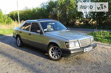 Mercedes-Benz E 200 1988 в Сумах