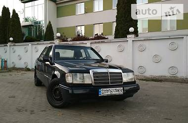 Mercedes-Benz E 200 1988 в Ровно