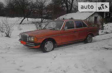 Mercedes-Benz E 200 1982 в Каменец-Подольском
