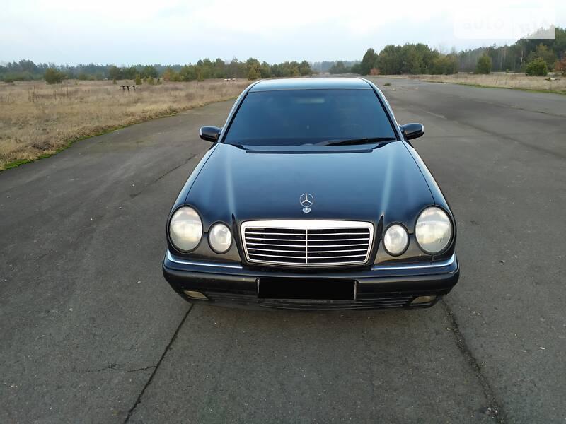 Mercedes-Benz E 200 1999 в Ратным