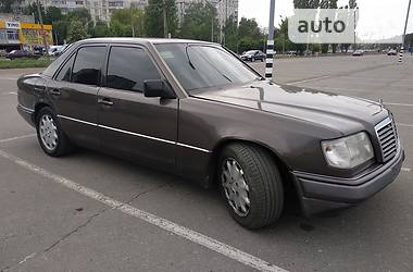Mercedes-Benz E 220 1994 в Харькове