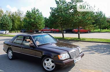 Mercedes-Benz E 220 1992 в Дрогобыче