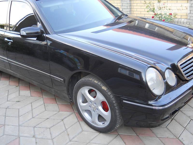 Mercedes-Benz E 220 2000 в Новоселиці
