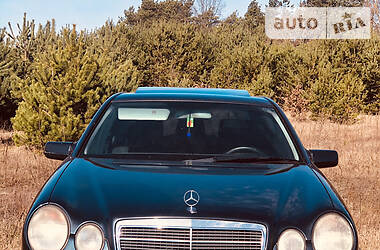 Mercedes-Benz E 220 1998 в Камені-Каширському