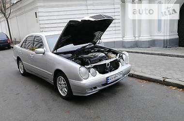 Mercedes-Benz E 220 2001 в Могилев-Подольске