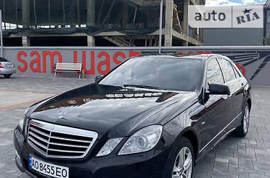 Седан Mercedes-Benz E 220 2010 в Хусте