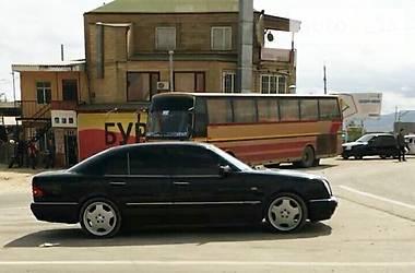Mercedes-Benz E 230 1996 в Киеве