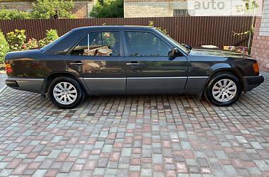 Седан Mercedes-Benz E 230 1992 в Гуляйполе
