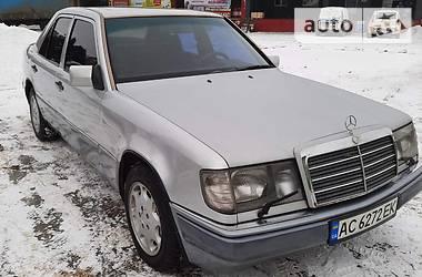 Седан Mercedes-Benz E 260 1991 в Луцке