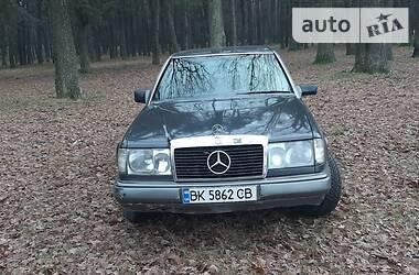 Mercedes-Benz E 300 1990 в Вараше