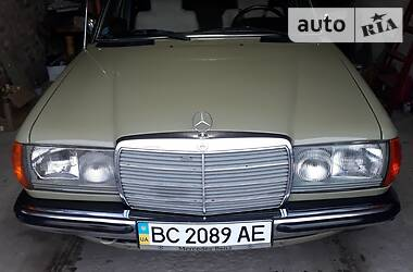 Mercedes-Benz E 300 1983 в Червонограде