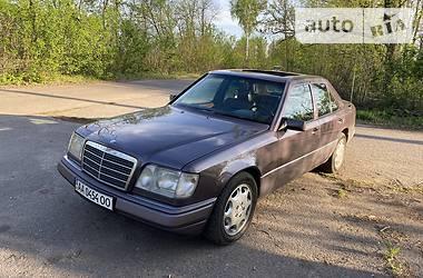 Седан Mercedes-Benz E 420 1992 в Харькове
