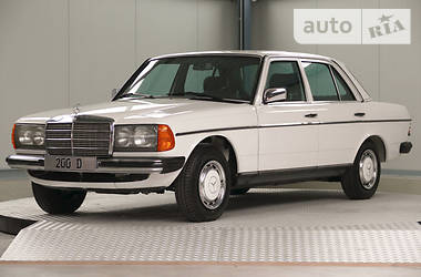 Mercedes-Benz E-Class 1982 в Киеве