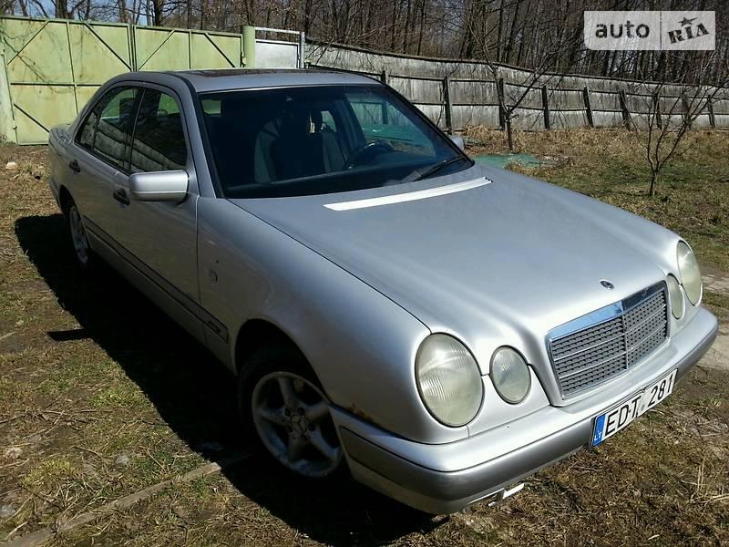Mercedes-Benz E-Class 1998 в Киеве
