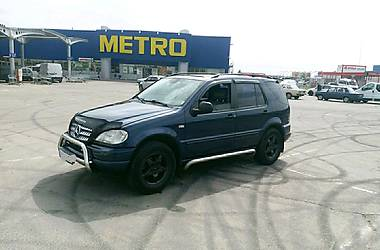 Mercedes-Benz ML 320 2000