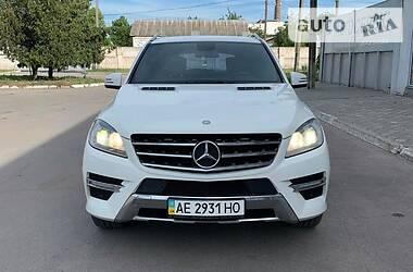 Внедорожник / Кроссовер Mercedes-Benz ML 350 2011 в Павлограде