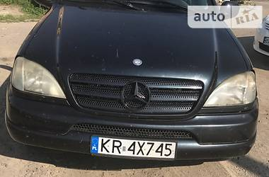 Mercedes-Benz ML 430 2001