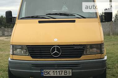 Mercedes-Benz Sprinter 312 пасс. 1999 в Сарнах