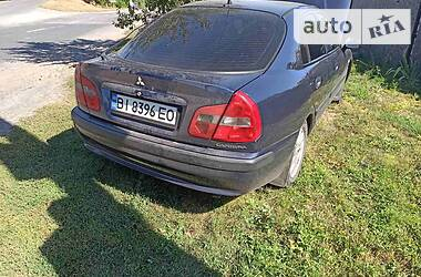 Mitsubishi Carisma 2002 в Лохвице