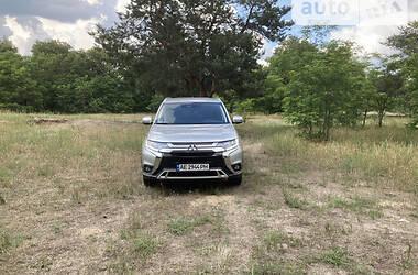 Внедорожник / Кроссовер Mitsubishi Outlander 2020 в Днепре