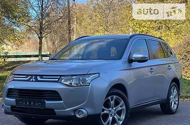 Внедорожник / Кроссовер Mitsubishi Outlander 2014 в Ровно