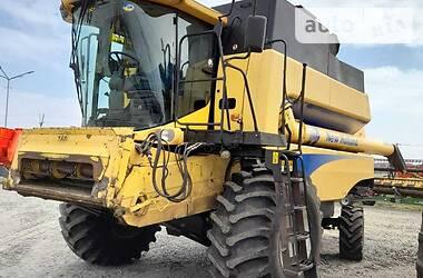 Комбайн зерноуборочный New Holland CSX 2011 в Василькове