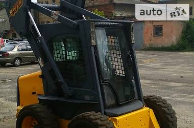 New Holland L 2007 в Львове