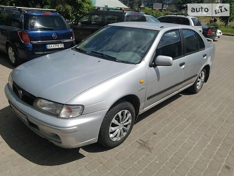 Седан Nissan Almera 1998 в Киеве
