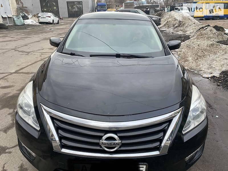 Седан Nissan Altima 2014 в Києві