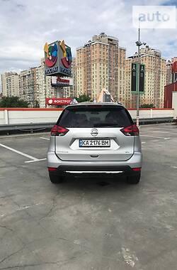 Внедорожник / Кроссовер Nissan Rogue 2017 в Киеве