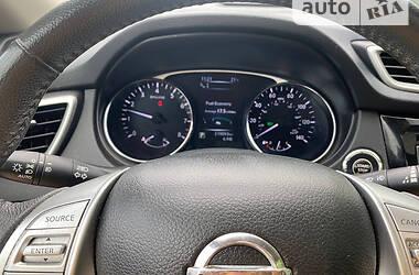 Позашляховик / Кросовер Nissan Rogue 2016 в Старій Синяві