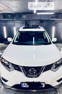 Внедорожник / Кроссовер Nissan Rogue 2015 в Днепре