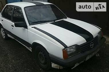 Opel Ascona 1986 в Ужгороде