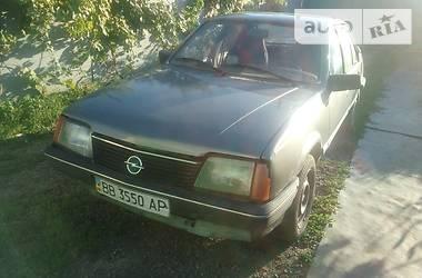 Opel Ascona 1986 в Луганске