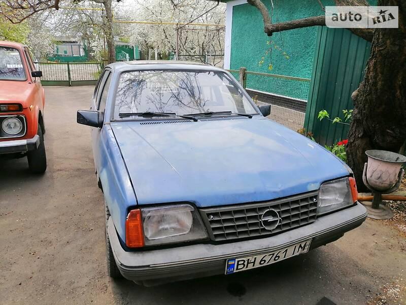 Opel Ascona S