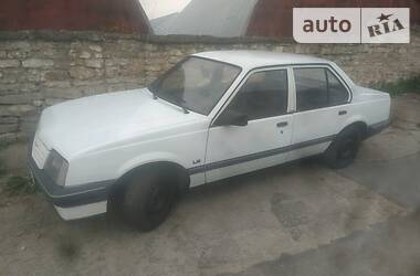 Седан Opel Ascona 1987 в Могилев-Подольске