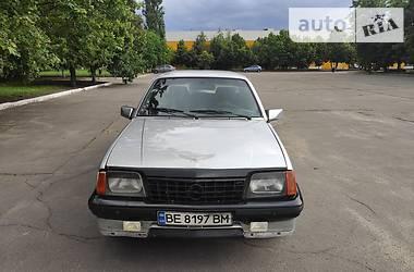 Седан Opel Ascona 1985 в Николаеве