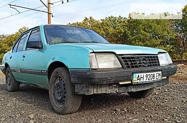 Седан Opel Ascona 1986 в Новогродовке