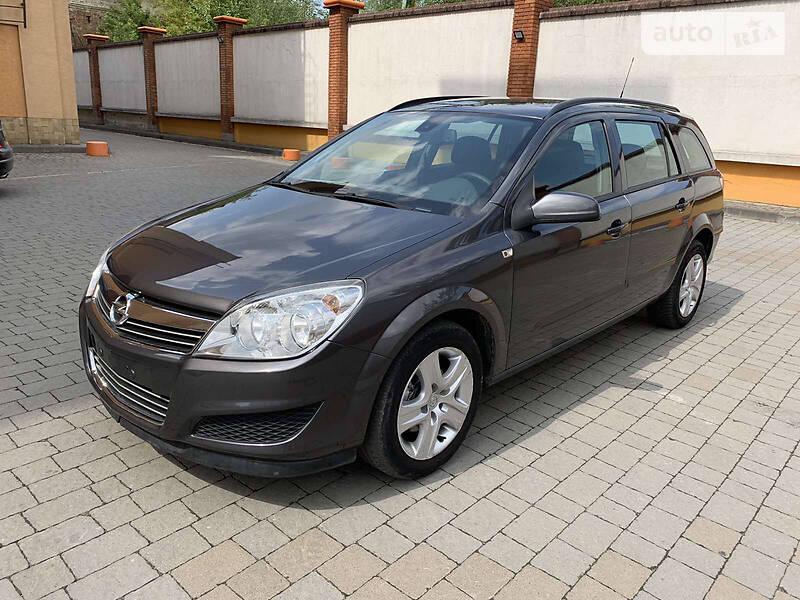 Opel Astra H 888