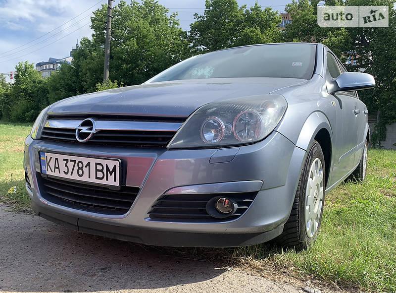 Хэтчбек Opel Astra H 2004 в Киеве