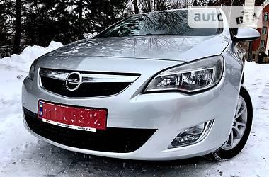 Opel Astra J 1.6 Не крашена 2012